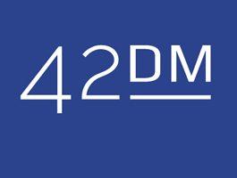 42dm_logo_small_white-neu